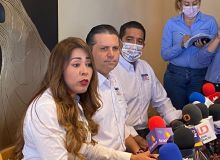 Declina candidata del PT, Gloria González, se suma al PRI con Mario Zamora.